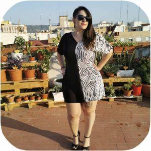 vestido mitad negro mitad cebra muy fresco